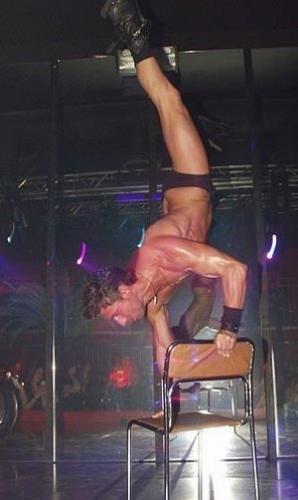 Muenchen-Stripper-04.jpg