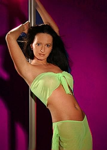 Brandenburg-Stripperin-02.jpg