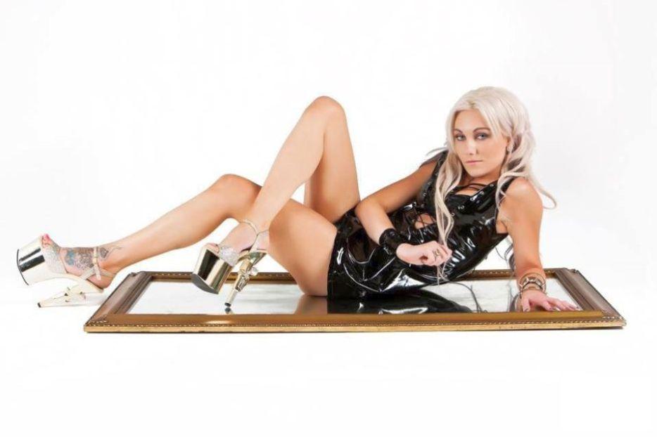 Stripperin Clara - Giessen-04.jpg